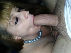 Hot wife does not stop to throw you a big (raw