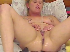 Slutty wife sprays, after double penetrating herself