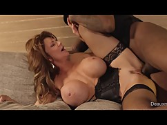 Unfaithful wife deauxma fuck, service in the room, while the husband of your trip.