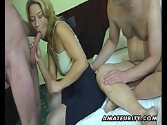 Amateur homemade threesome in progress