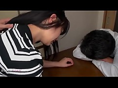 Asian wife pounded before sleep sucker man