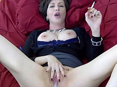 Lick it while i smoke-cuck mother-in-pure smoking fetish cake