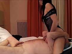 Sexy amateur wife does a stranger oldman with two times